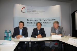 Dr. Sebastian Spörer, Prof. Dr. Alfred Wolf und Bernd Rath während des Pressegesprächs