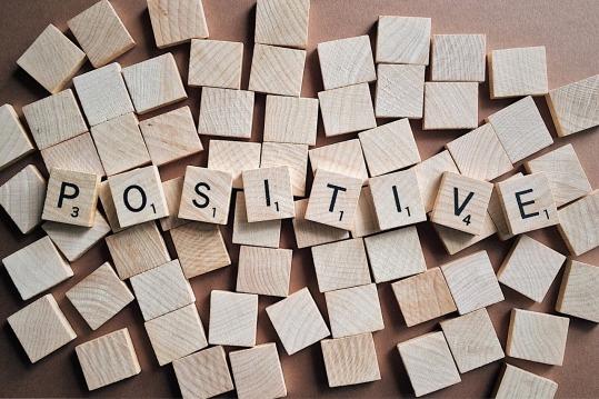 positive-letters-2355685_1280